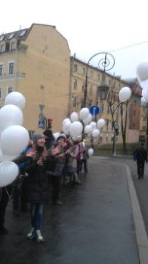 Классный час посвящённый памяти детей погибших на дорогах и в ДТП.