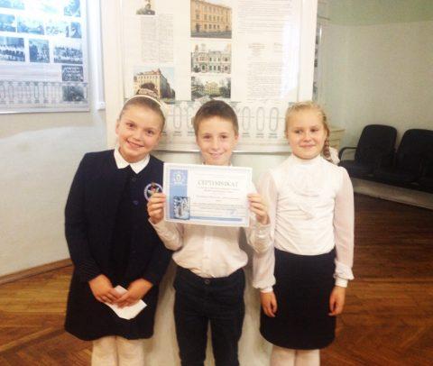 «У Вознесенского моста» прошел районный конкурс чтецов «Живое поэтическое слово»