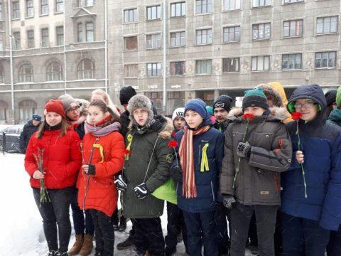 В школе прошли мероприятия, посвященные 75-й годовщине снятия блокады Ленинграда.