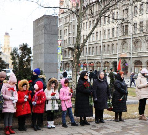 Районный митинг у стелы народного ополчения Октябрьского района